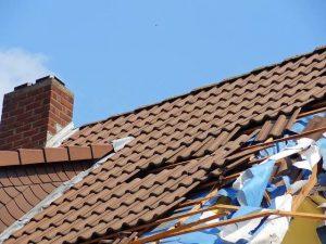 Un devis pour la réparation de toiture